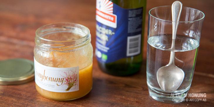 Äppelcidervinäger och honung.